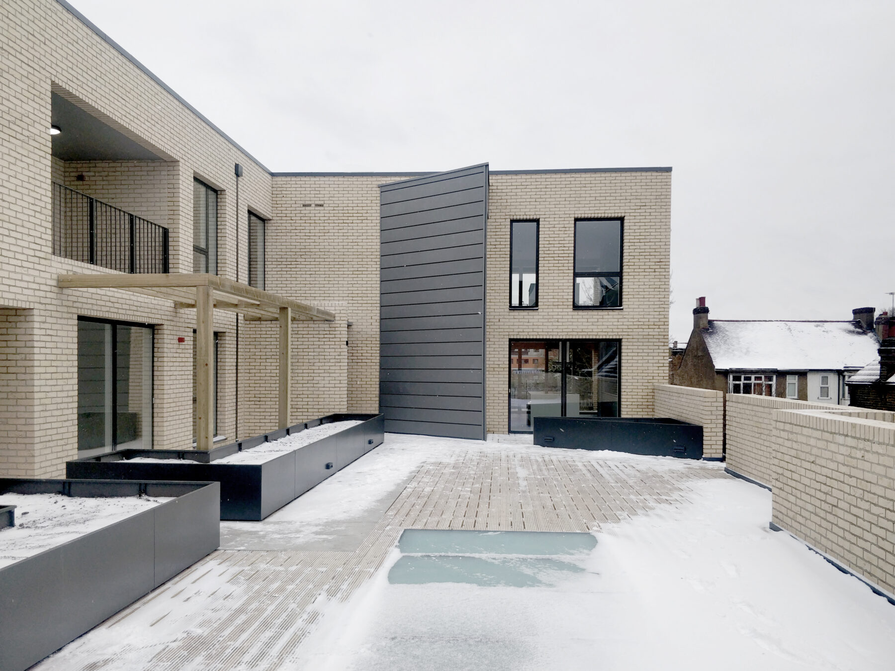 Water Lane Terrace Planters Residential Brick Metal
